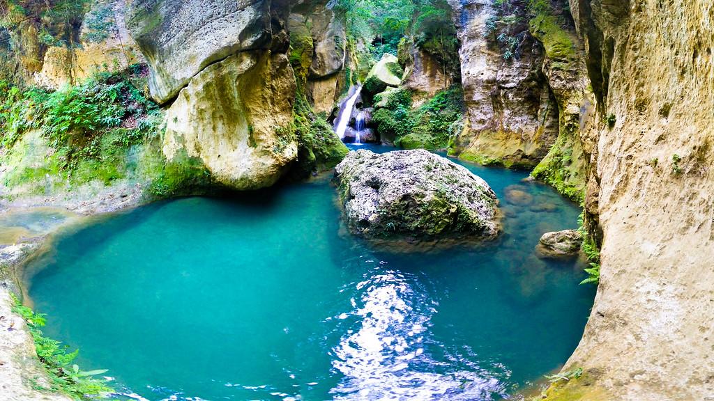 Bassin Blue, Jacmel, Haiti