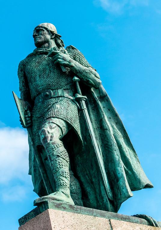 Leifur Eiriksson Statue